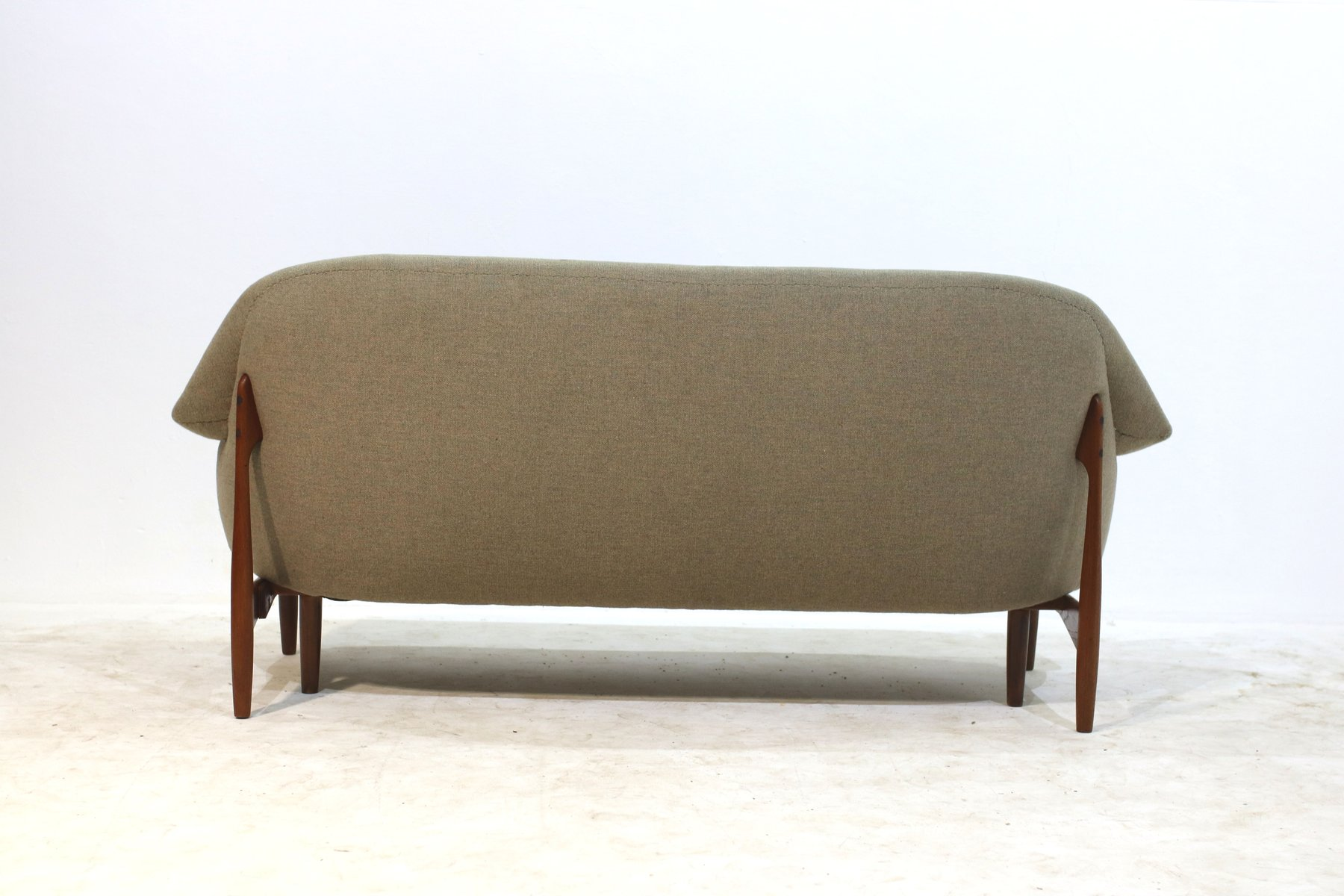 Mid century 3 sitzer sofa bei pamono kaufen for Sofa 4 sitzer