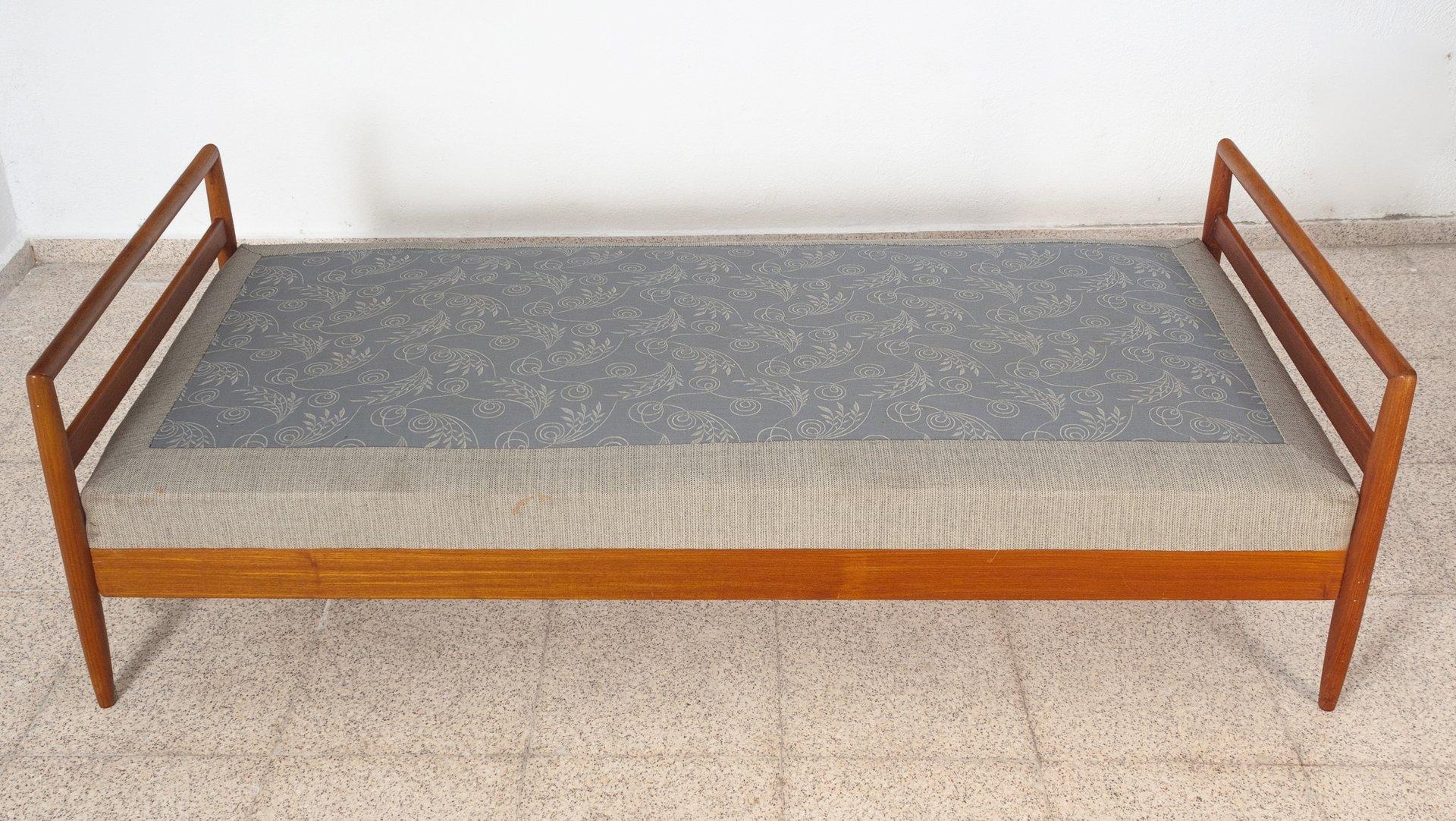 Divan en teck avec matelas ressorts tapiss en laine su de 1960s en vente - Matelas en laine prix ...