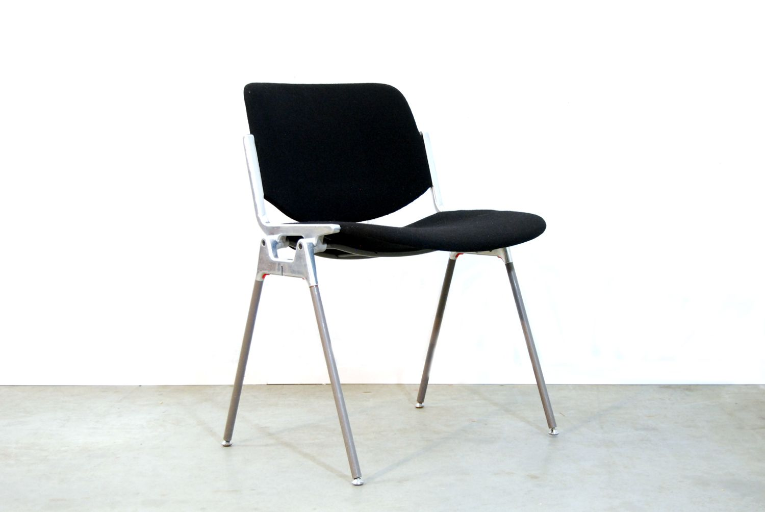 Italian dsc axis 106 dining chair by giancarlo piretti for for 1980s chair