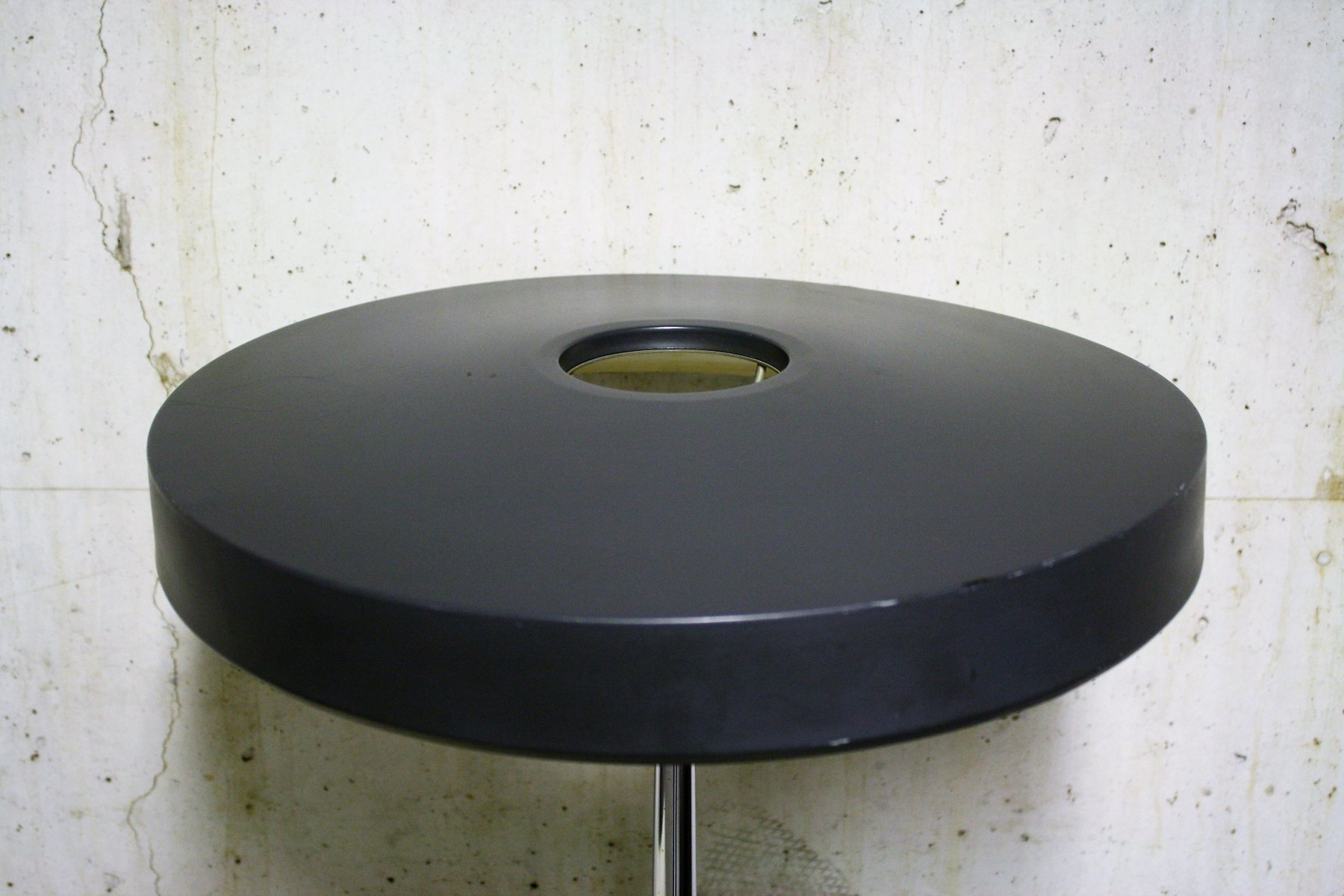 lampe de bureau mid century ronde par louis kalff pour philips 1950s en vente sur pamono. Black Bedroom Furniture Sets. Home Design Ideas