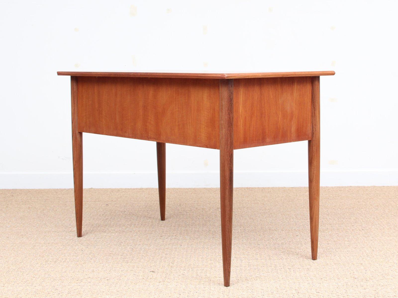 kleiner mid century schreibtisch aus teak 1950er bei pamono kaufen. Black Bedroom Furniture Sets. Home Design Ideas