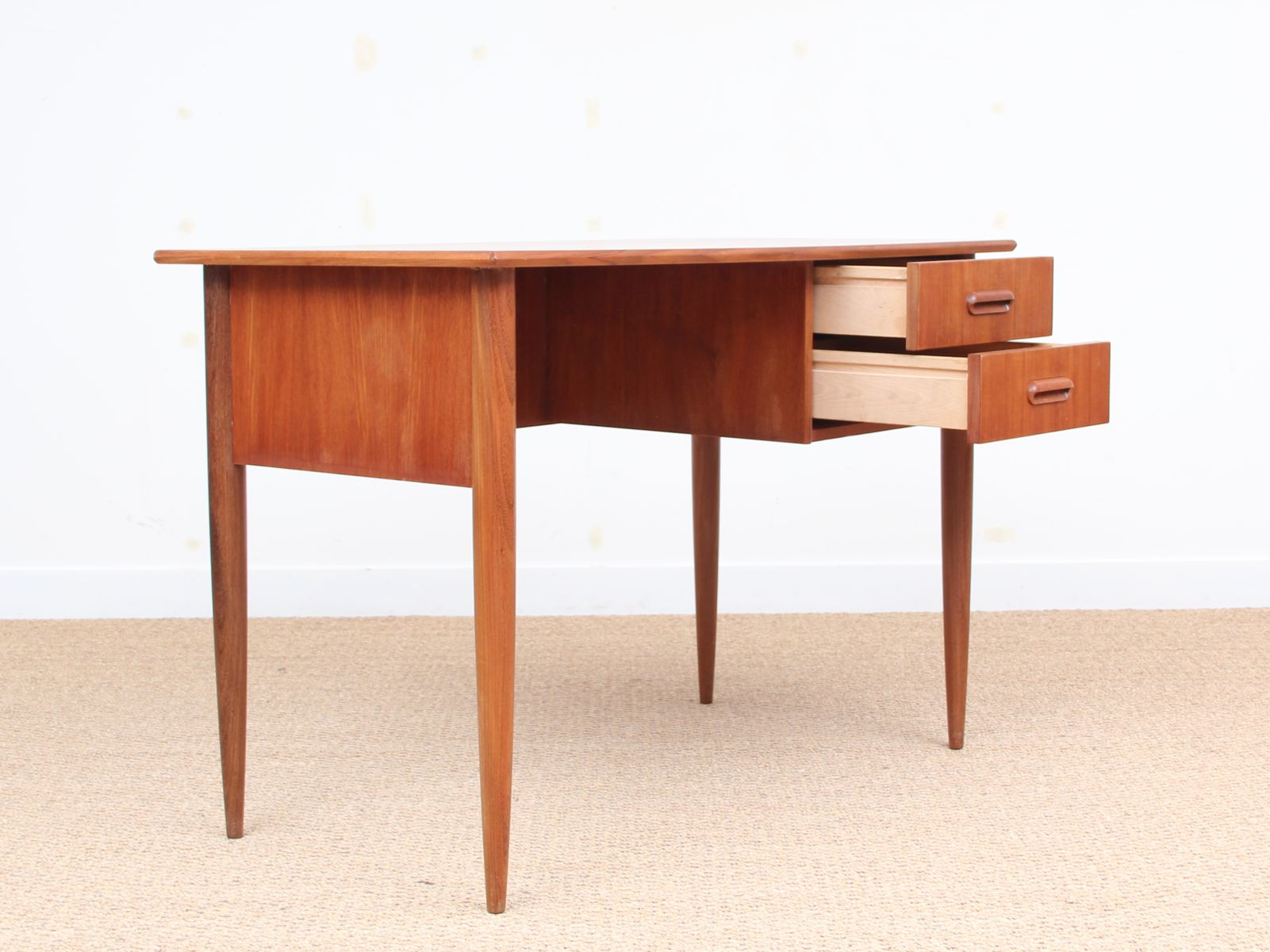 mid century small desk in teak 1950s for sale at pamono. Black Bedroom Furniture Sets. Home Design Ideas
