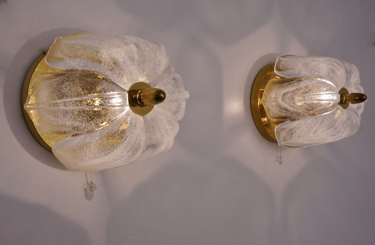 Vintage German Tulip Wall Lights from Limburg, 1970s, Set of 2 for sale at Pamono