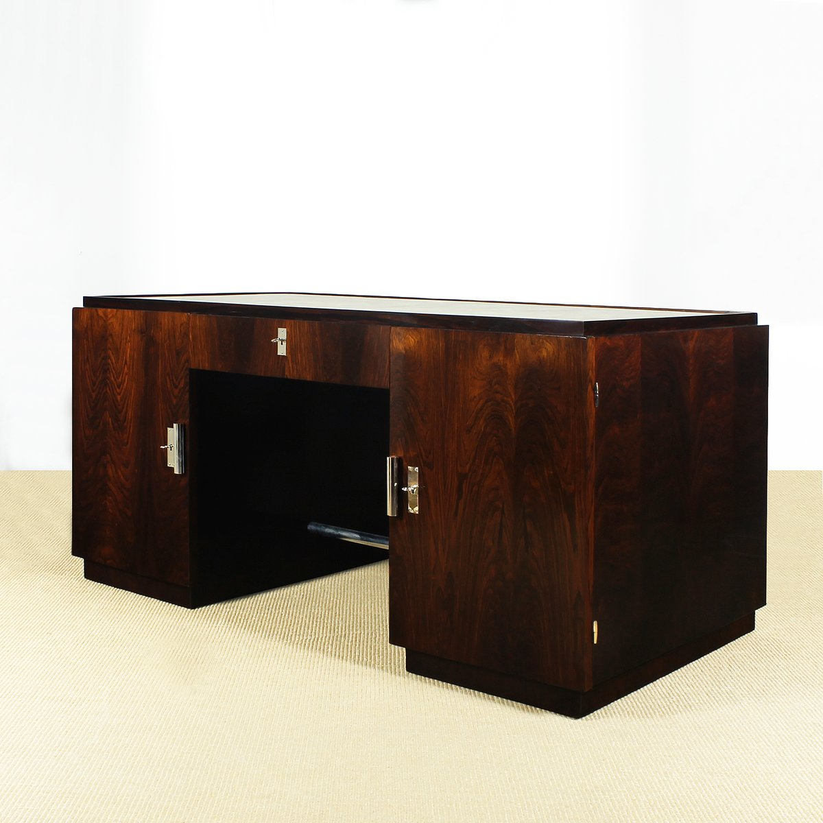 kubischer art deco schreibtisch und sessel 1930er 2er set bei pamono kaufen. Black Bedroom Furniture Sets. Home Design Ideas