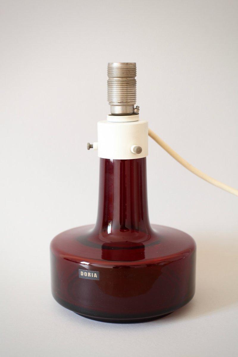 tischlampe mit rotem gestell aus glas von doria 1960er bei pamono kaufen. Black Bedroom Furniture Sets. Home Design Ideas
