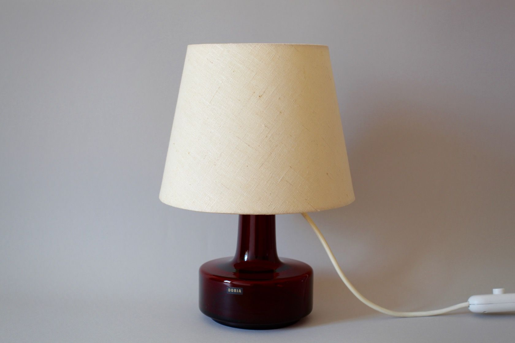 Glass red table lamp - Table Lamp With Red Glass Base From Doria 1960s