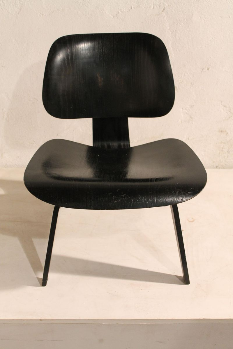 black edition lcw chair by charles ray eames for herman. Black Bedroom Furniture Sets. Home Design Ideas