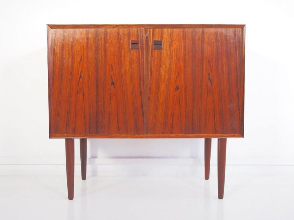 d nisches vintage palisander sideboard mit zwei t ren bei. Black Bedroom Furniture Sets. Home Design Ideas