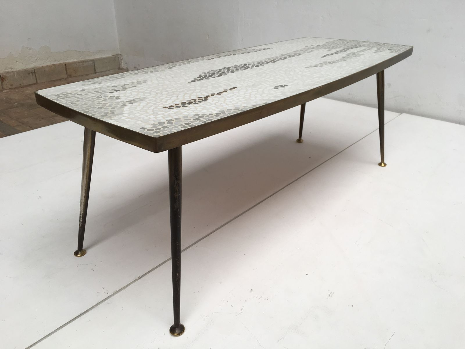 deutscher couchtisch aus messing mosaik 1950er bei. Black Bedroom Furniture Sets. Home Design Ideas