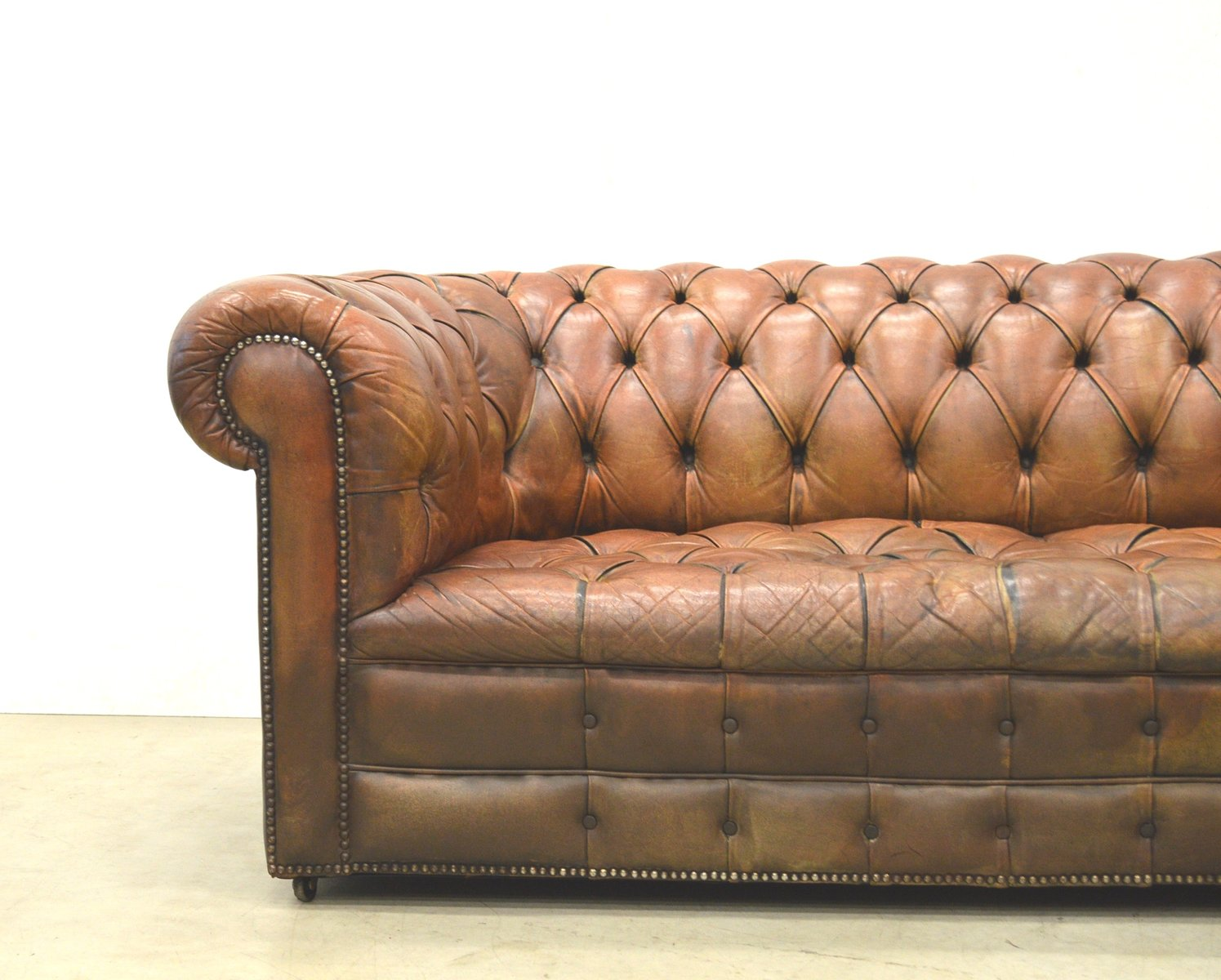 Canap Chesterfield Deux Places Art D Co En Cuir Cognac