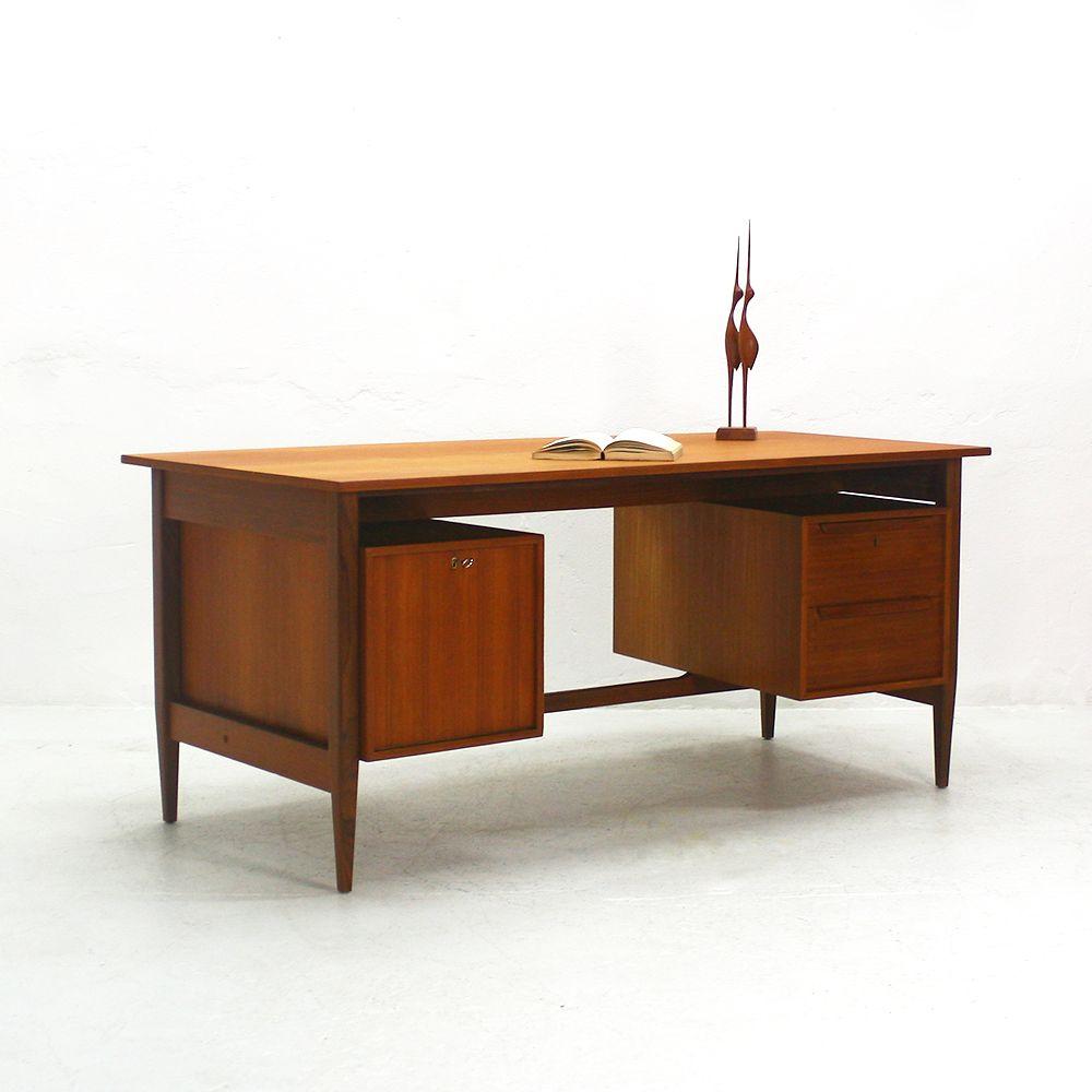 gro er teak schreibtisch von wk m bel 1960er bei pamono. Black Bedroom Furniture Sets. Home Design Ideas