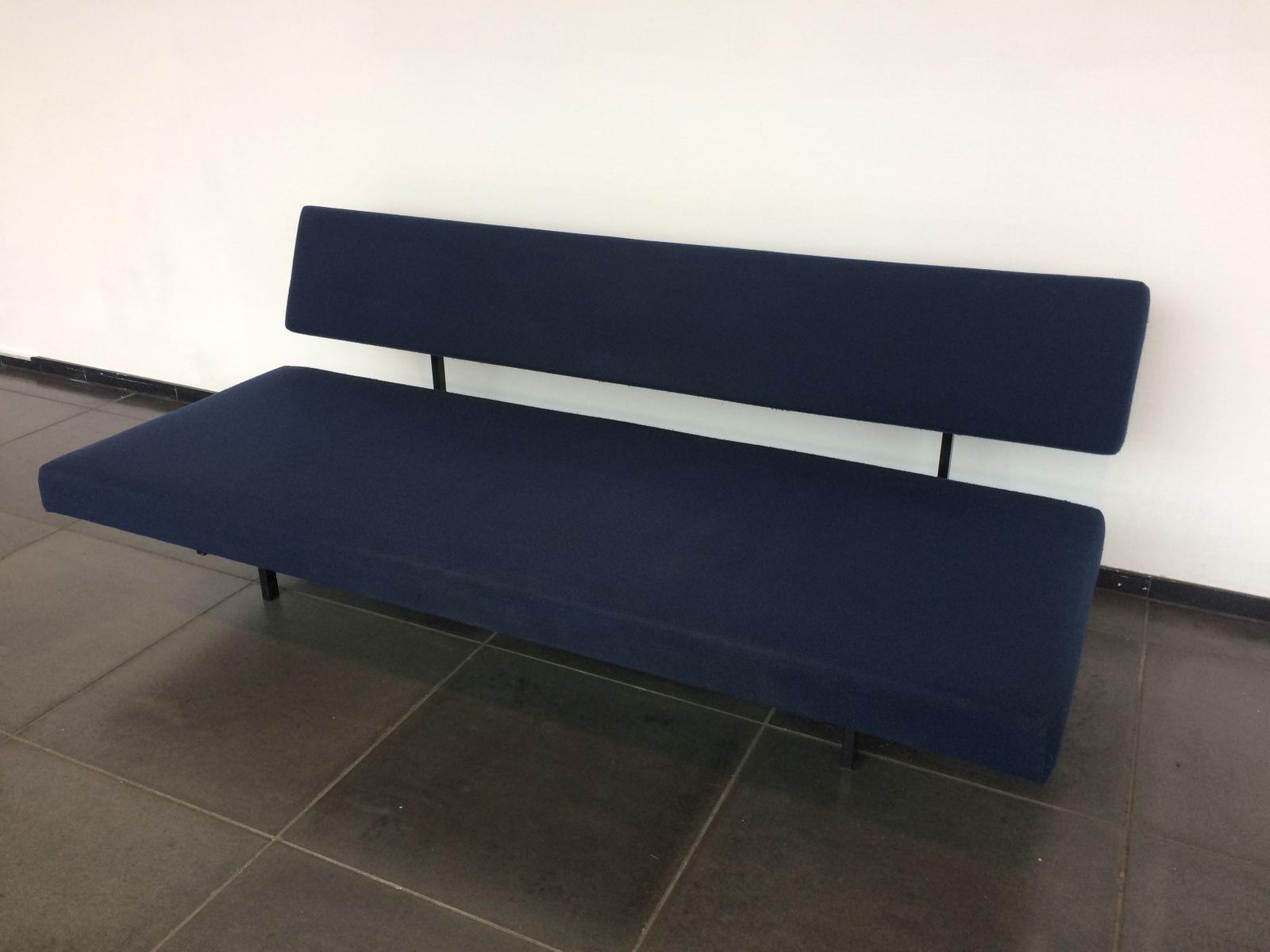 vintage sofa bed by gijs van der sluis for gispen for sale at pamono. Black Bedroom Furniture Sets. Home Design Ideas