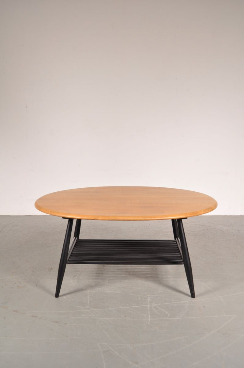Black and wood coffee table - Price Per Piece
