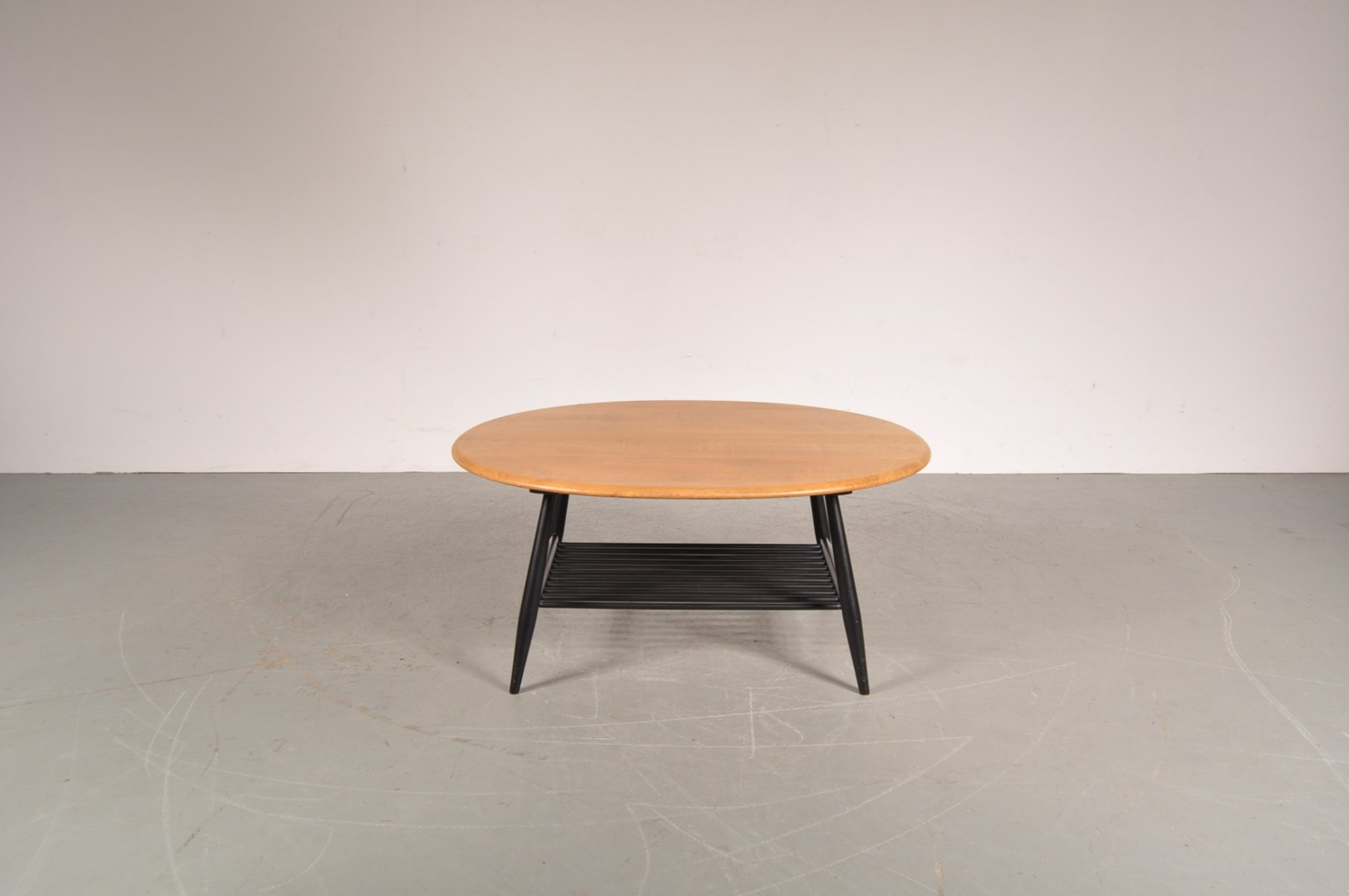 Coffee table with black wooden base by lucian ercolani for ercol 1950s for sale at pamono Black wooden coffee tables