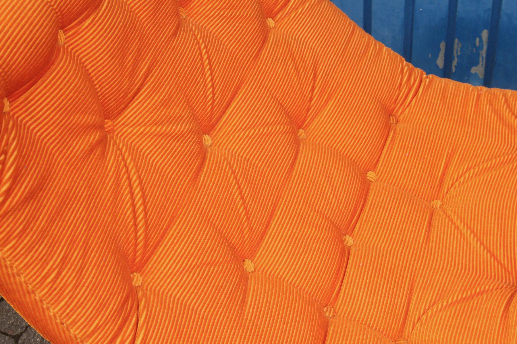 gro er orangenfarbener stuhl 1970er bei pamono kaufen. Black Bedroom Furniture Sets. Home Design Ideas