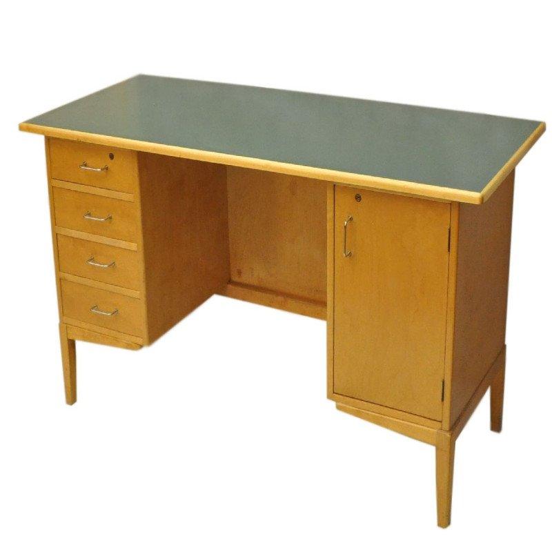 vintage schreibtisch aus holz mit schubladen 1960er bei pamono kaufen. Black Bedroom Furniture Sets. Home Design Ideas