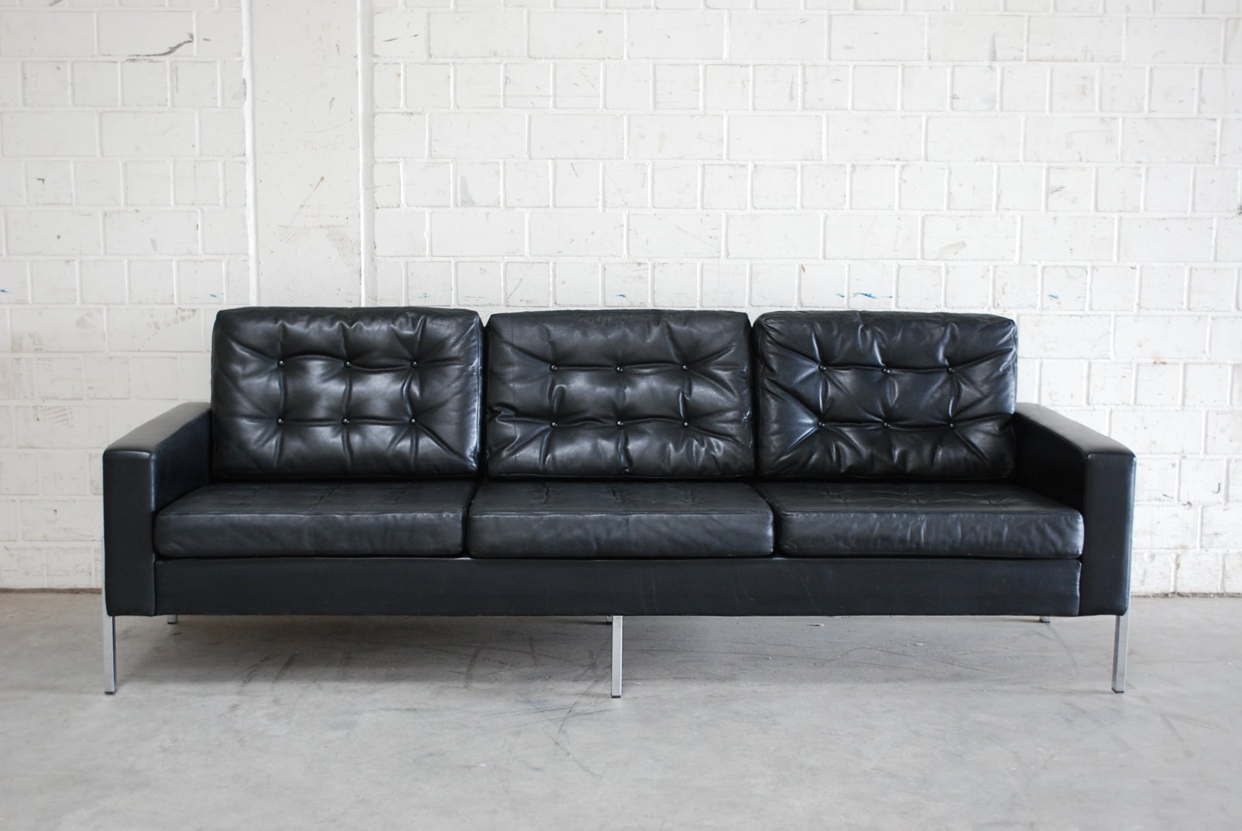 Vintage German Black Leather Sofa, 1960s for sale at Pamono | {Küchenmöbel made in germany 38}