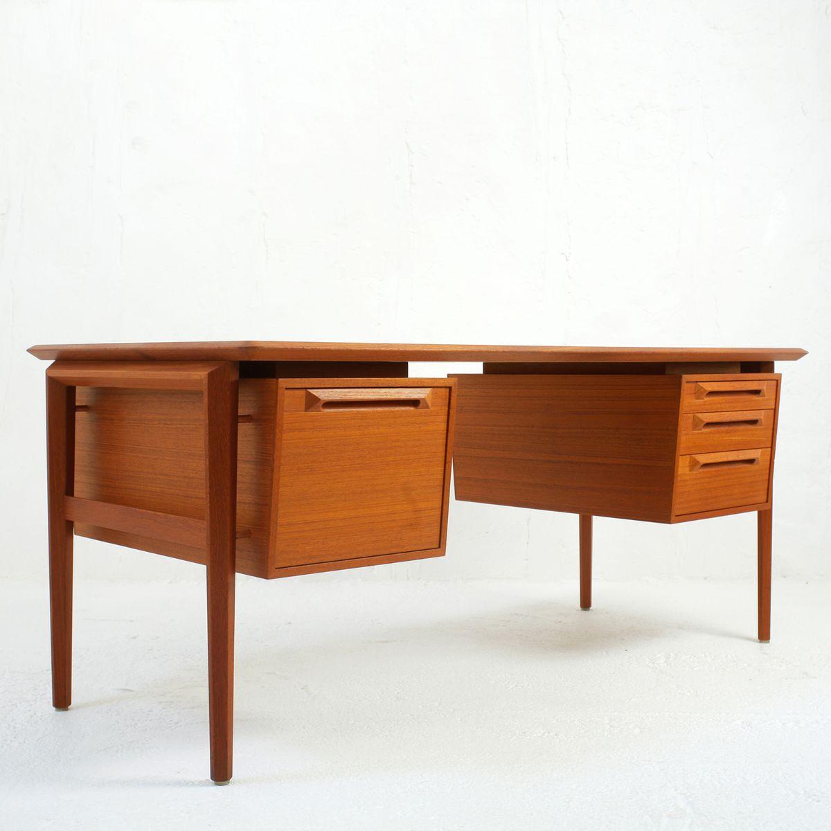 Swedish Teak Desk by Ib Kofod Larsen for Seffle Mobelfabrik, 1960s for sale at Pamono