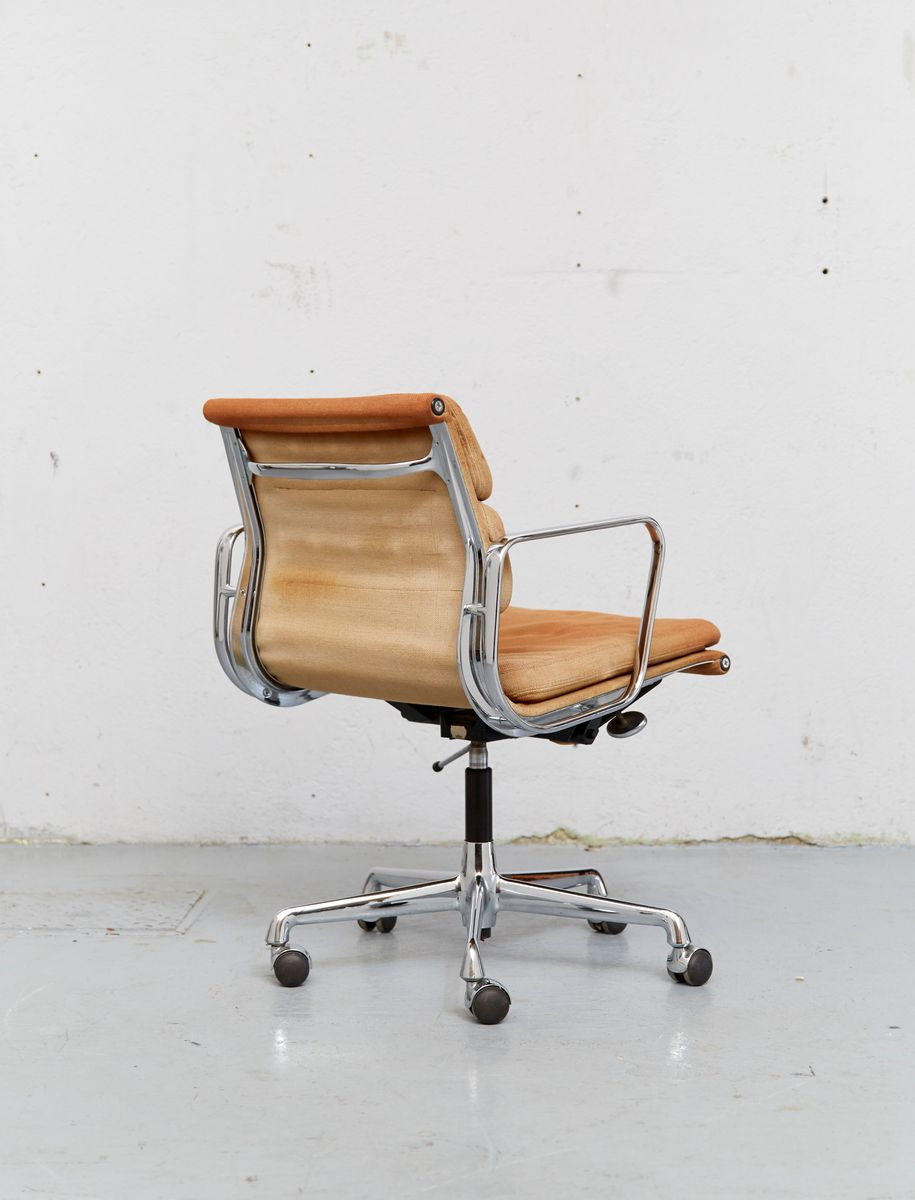Vintage ea 217 office chair by charles ray eames for herman miller vitr - Vintage herman miller ...