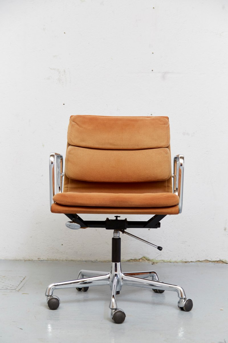 vintage ea 217 office chair by charles ray eames for herman miller vitra for sale at pamono. Black Bedroom Furniture Sets. Home Design Ideas