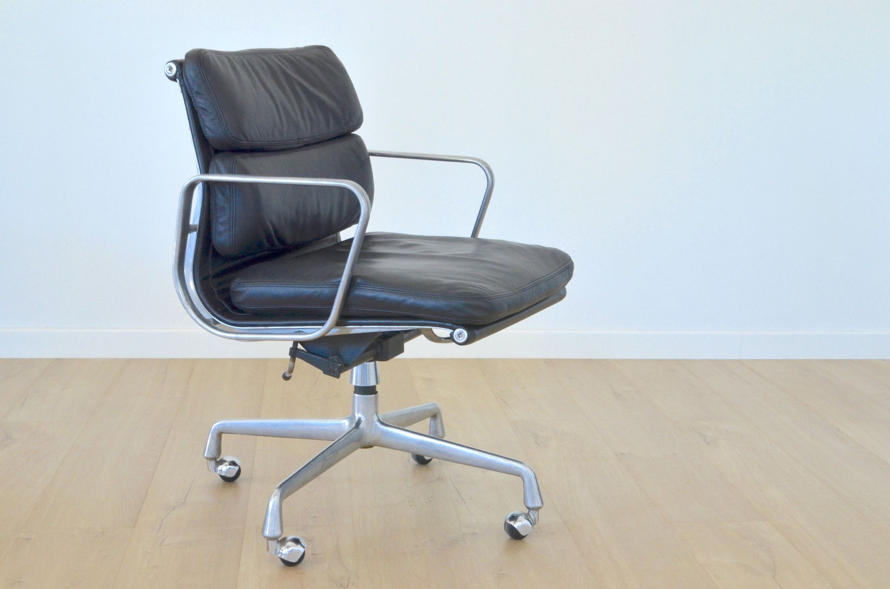vintage ea217 office chair by charles eames for herman miller for sale