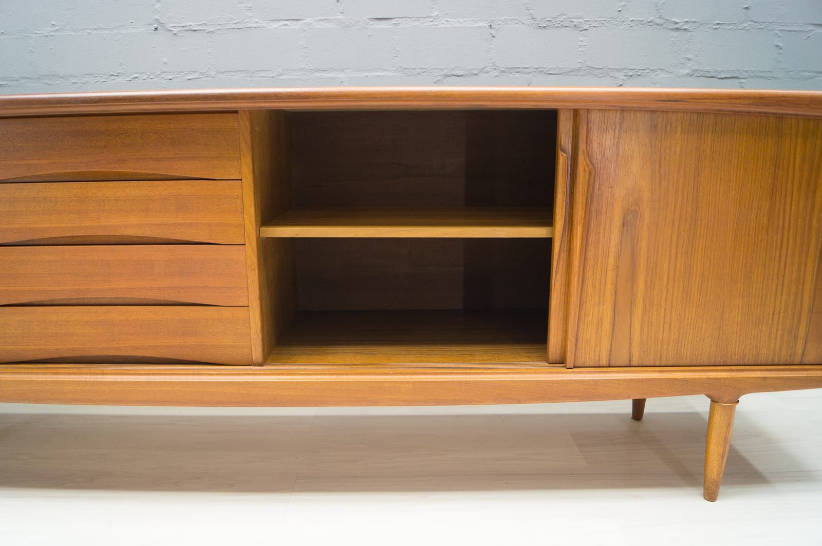 Langes teak sideboard von axel christensen odder 1960er for Langes sideboard