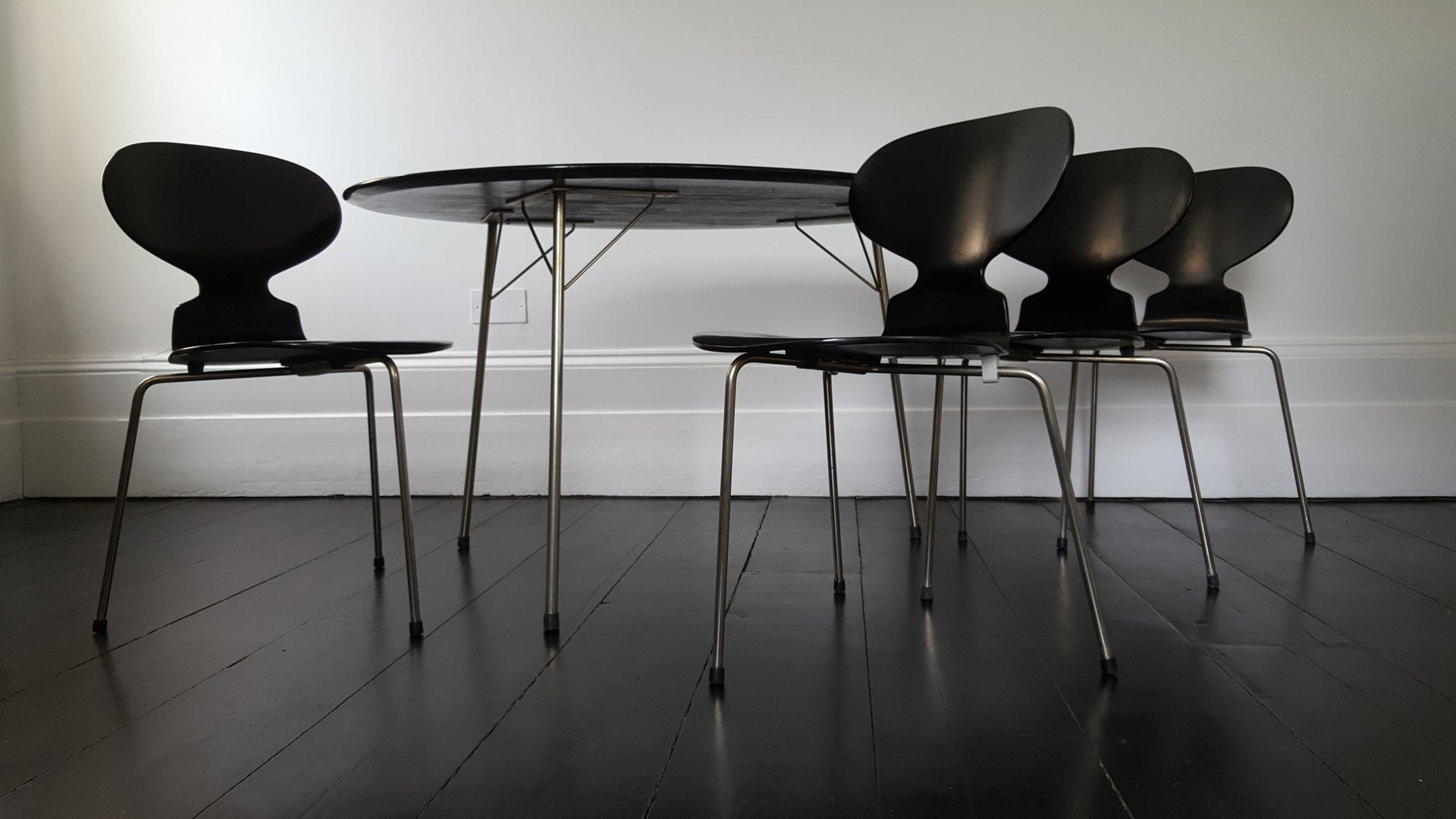 egg tisch ant st hle esszimmer set von arne jacobsen f r. Black Bedroom Furniture Sets. Home Design Ideas