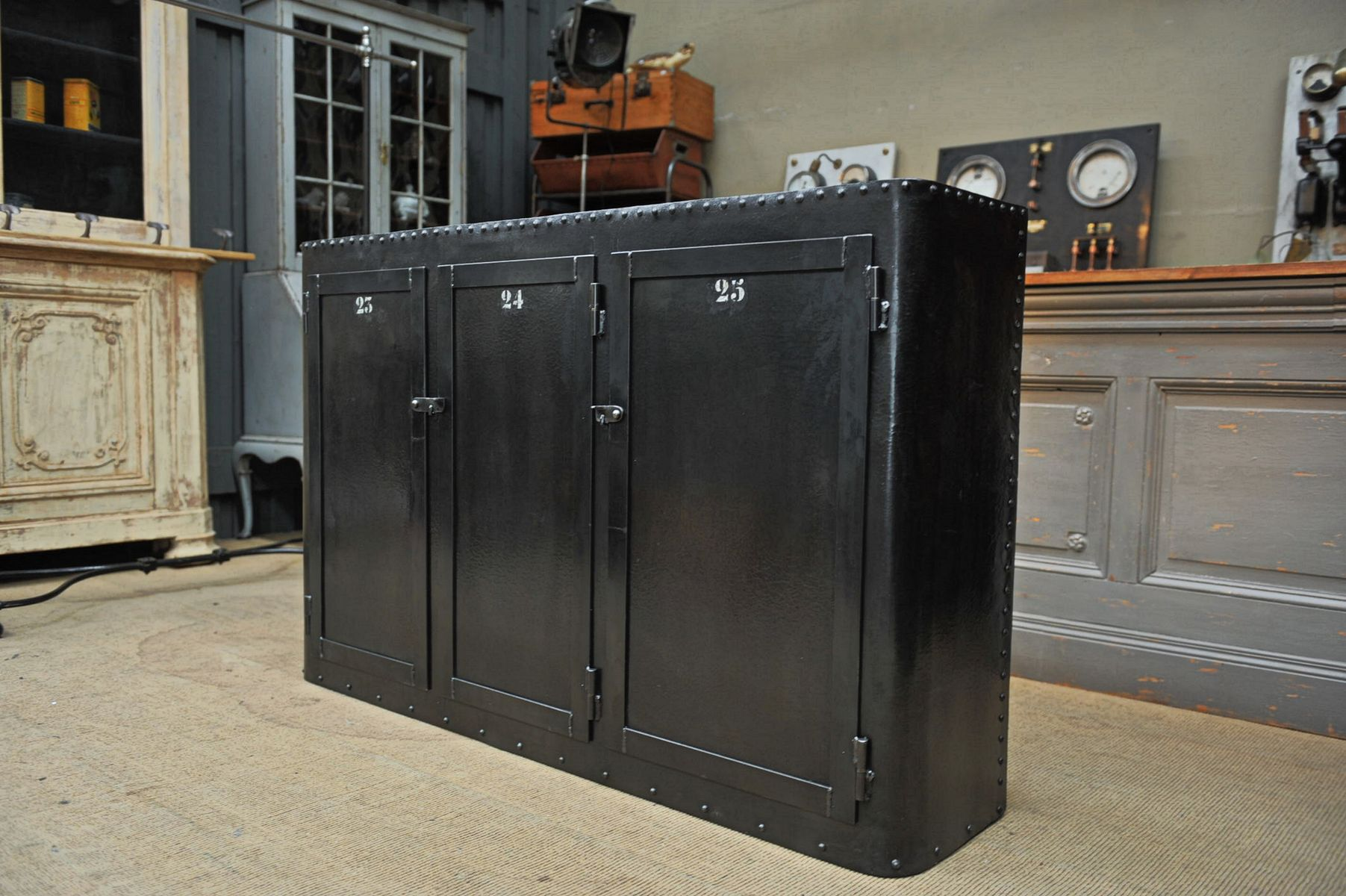 Industrial buffet with 3 doors in riveted metal 1900s for sale at pamono - Buffet metal industriel ...