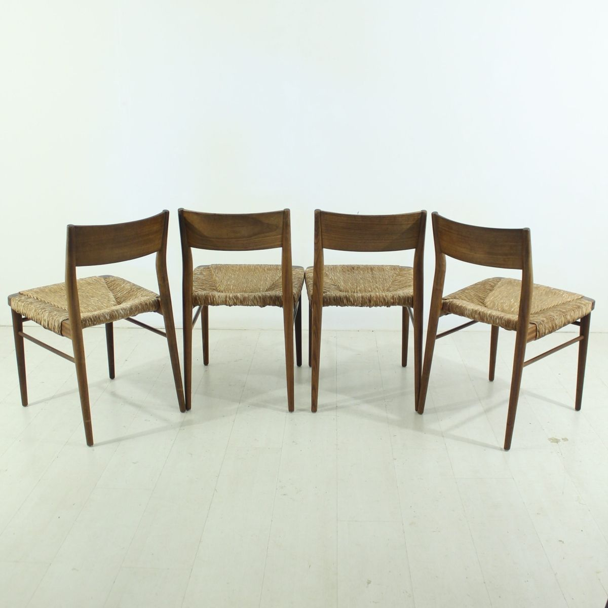 d nische vintage teak st hle 4er set bei pamono kaufen. Black Bedroom Furniture Sets. Home Design Ideas