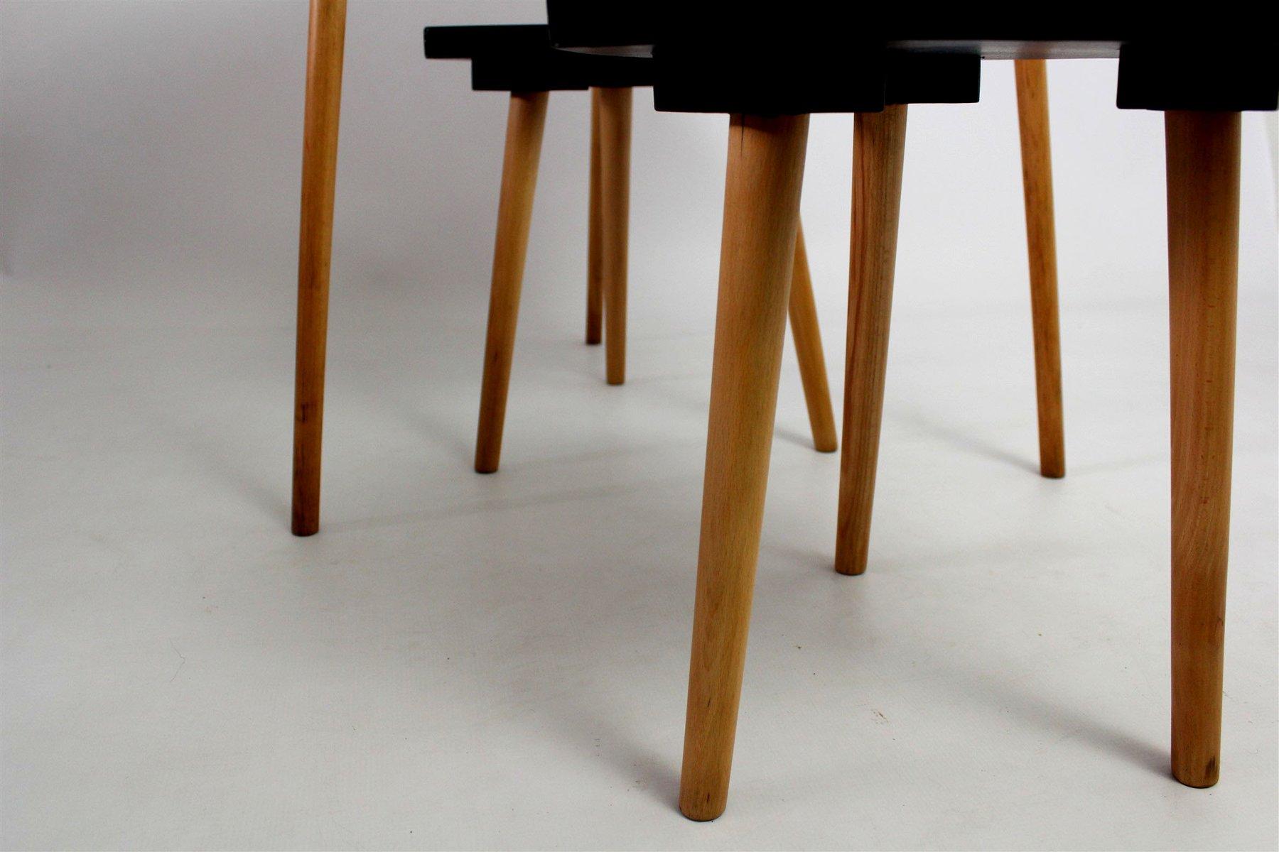 farbige tisch mit zwei st hle 1960er bei pamono kaufen. Black Bedroom Furniture Sets. Home Design Ideas