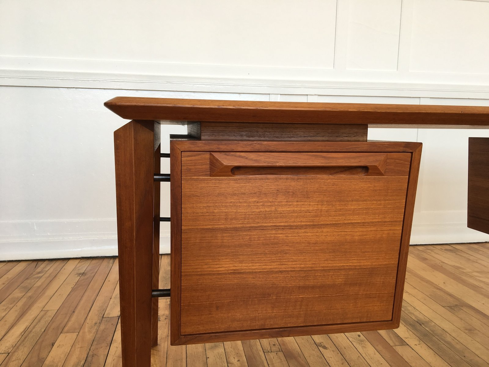 bureau mid century en teck par ib kofod larsen pour seffle mobelfabrik danemark en vente sur pamono. Black Bedroom Furniture Sets. Home Design Ideas