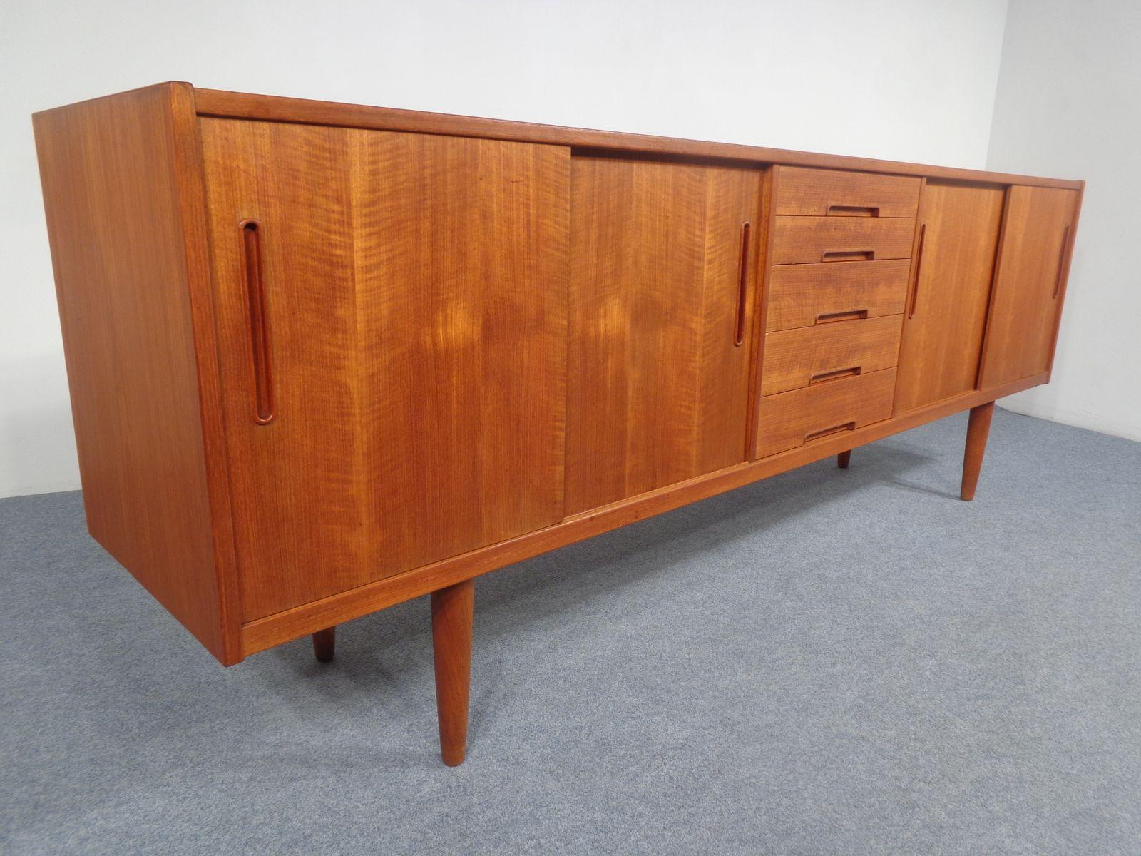 gro es vintage sideboard aus teak von nils jonsson f r. Black Bedroom Furniture Sets. Home Design Ideas