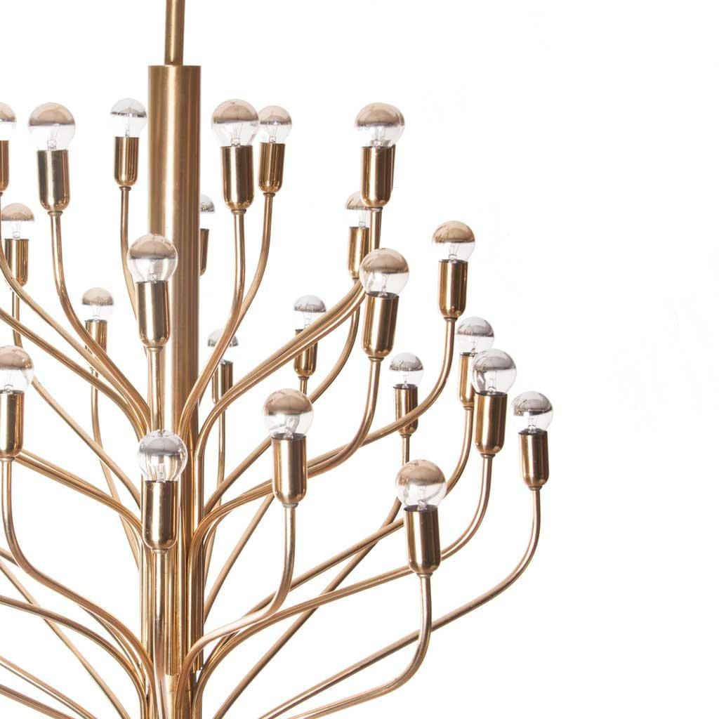 messing kronleuchter mit 32 leuchten 1960er bei pamono kaufen. Black Bedroom Furniture Sets. Home Design Ideas