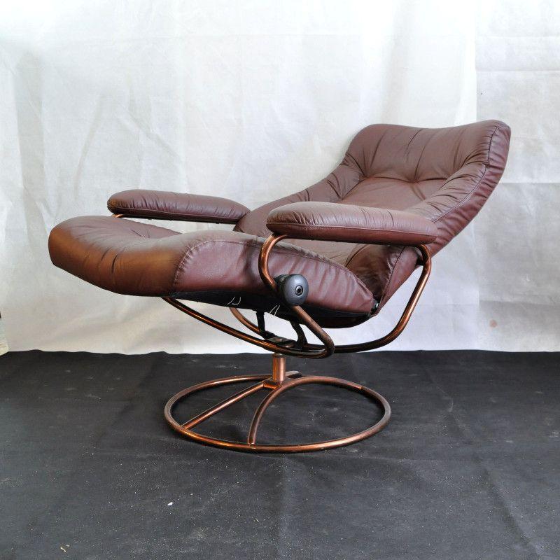 Chaise vintage stressless avec repose pieds de ekornes en for Chaise 3 pieds