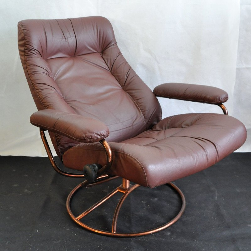 Vintage Stressless Chair With Footstool From Ekornes For Sale At Pamono