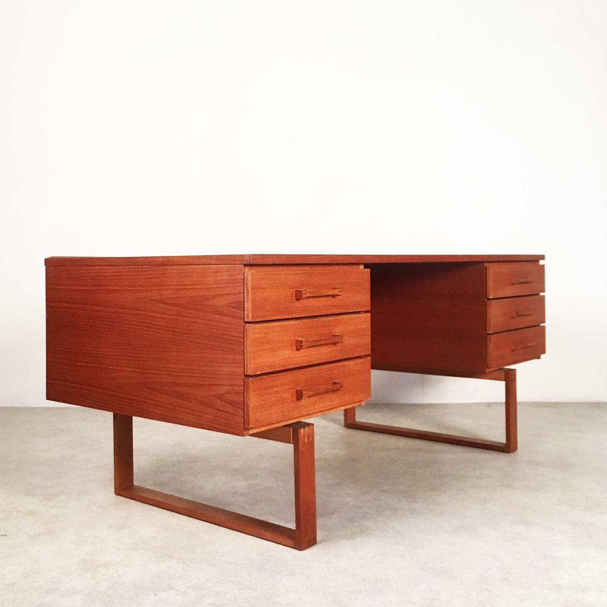 bureau en teck bureau en teck scandinave vendu hiving. Black Bedroom Furniture Sets. Home Design Ideas