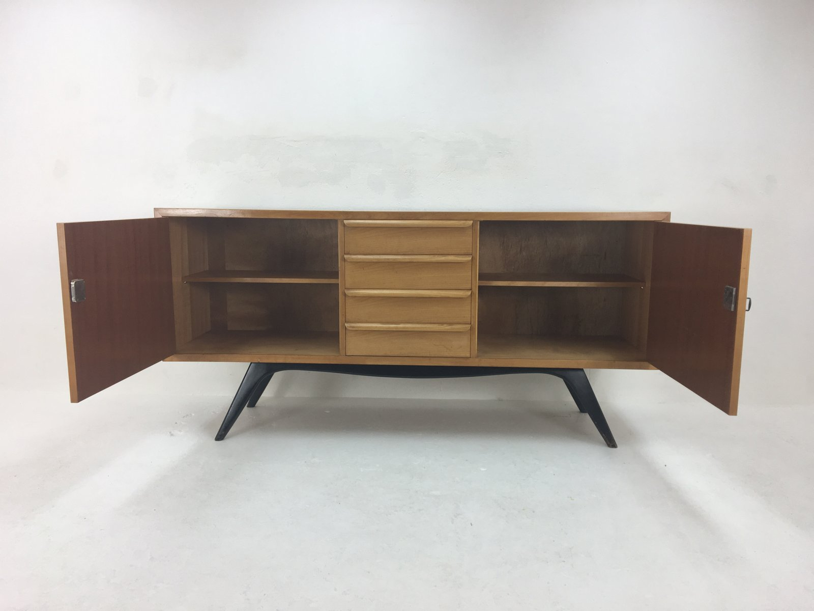 birke sideboard von cees braakman f r pastoe 1950er bei. Black Bedroom Furniture Sets. Home Design Ideas