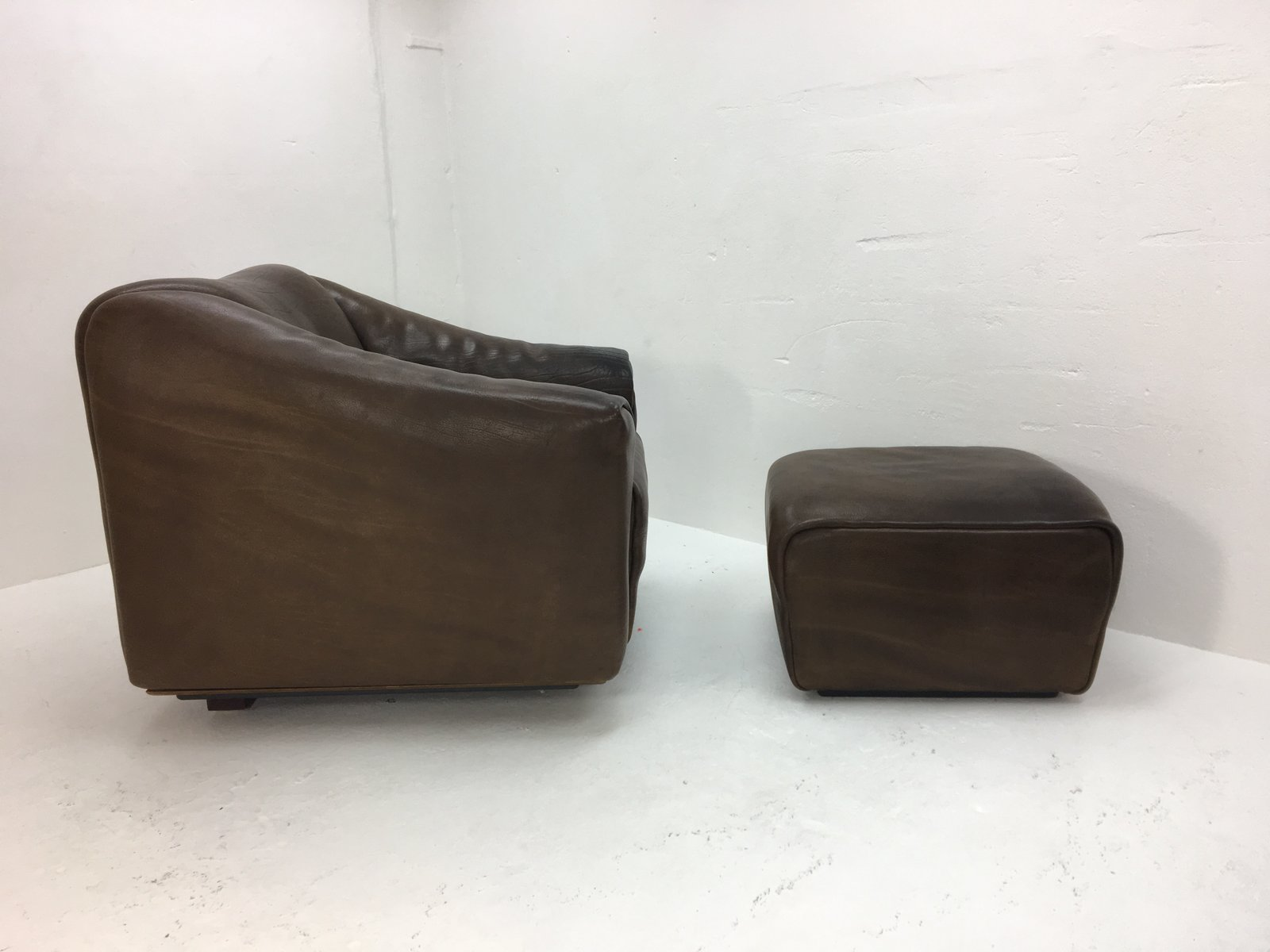 Vintage DS47 Lounge Chair with Ottoman from de Sede for sale at Pamono