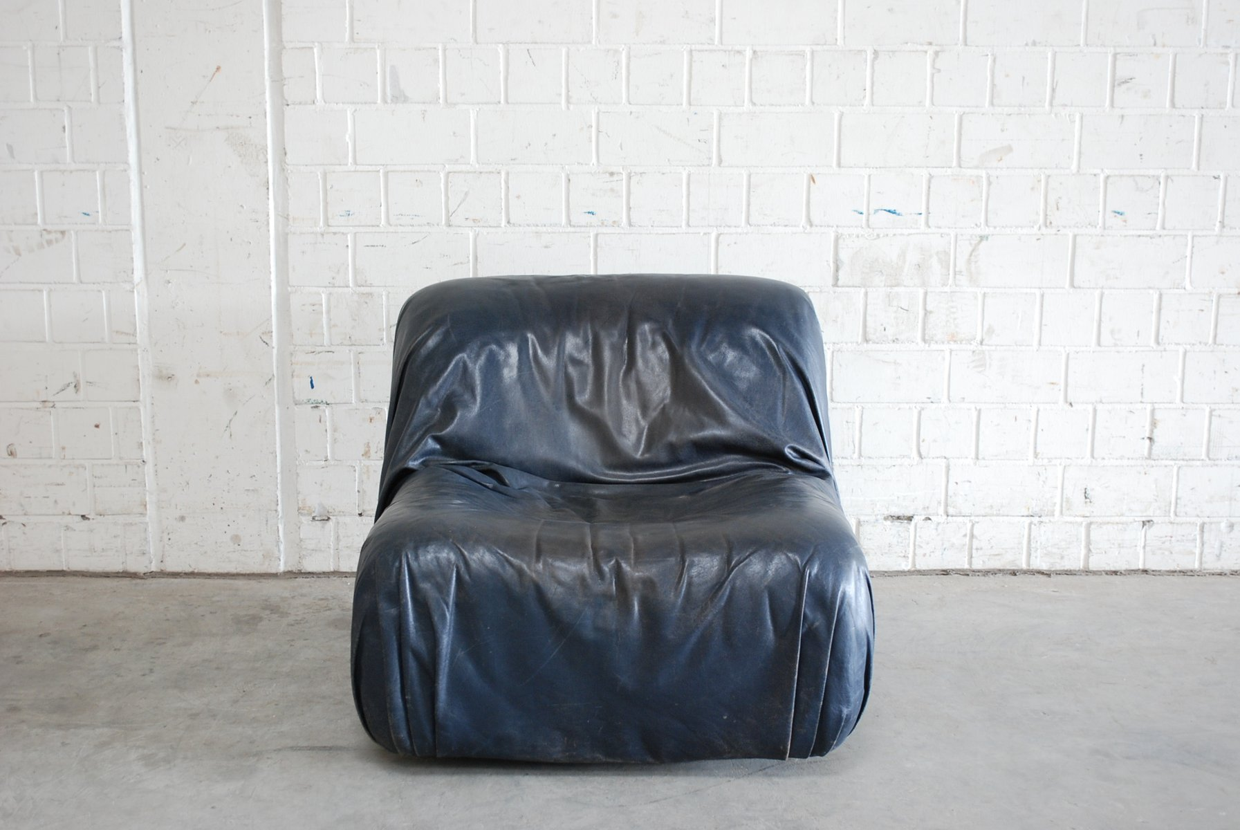 vintage ledersessel in dunkelblau von de sede bei pamono. Black Bedroom Furniture Sets. Home Design Ideas