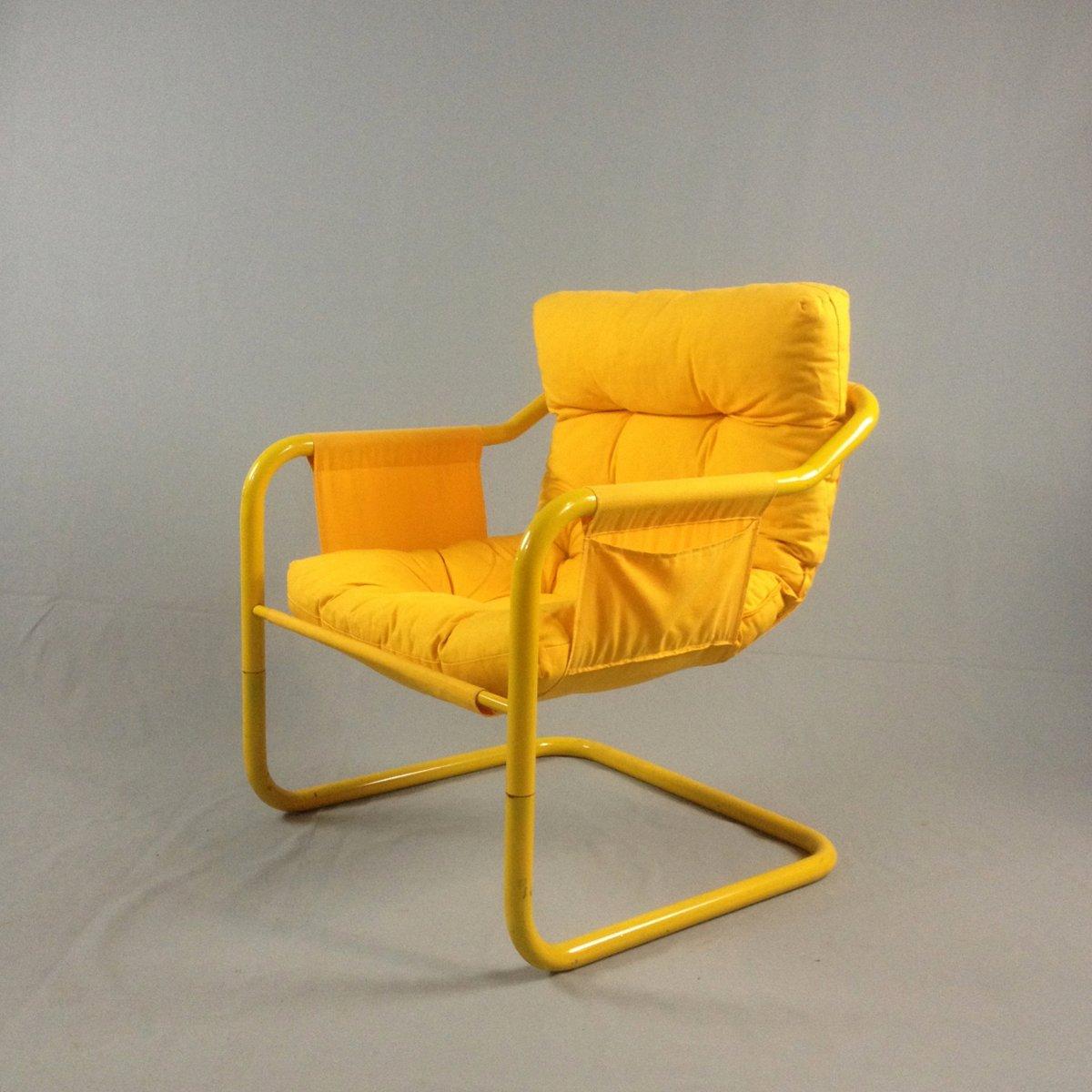gelbe st hle mit rohrrahmen 1980er 2er set bei pamono kaufen. Black Bedroom Furniture Sets. Home Design Ideas
