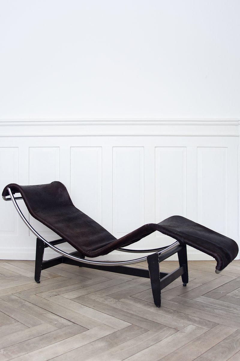 Lc4 b306 chaise longue by le corbusier pierre janneret for Chaise longue france