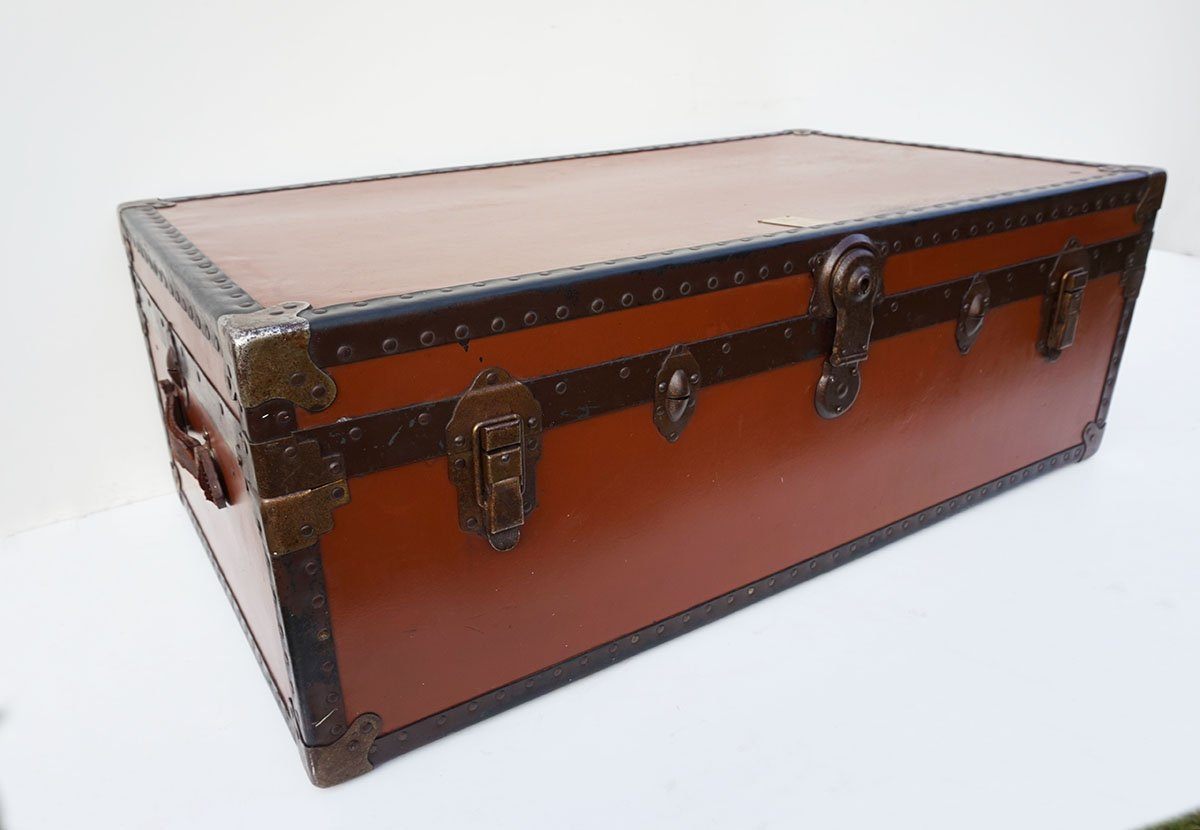 Vintage British Steamer Trunk from Victor Luggage for sale at Pamono