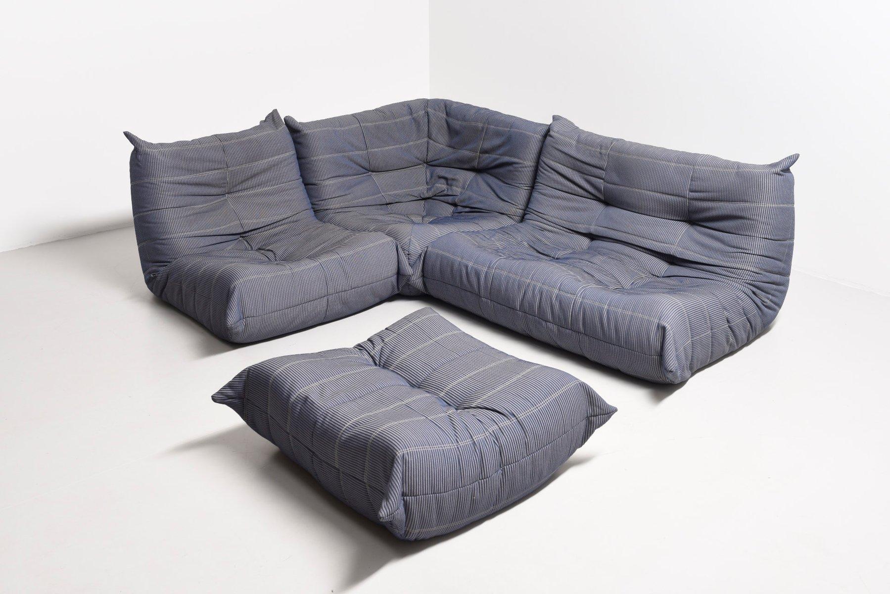 mobilier de salon togo par michel ducaroy pour ligne roset 1985 en vente sur pamono. Black Bedroom Furniture Sets. Home Design Ideas