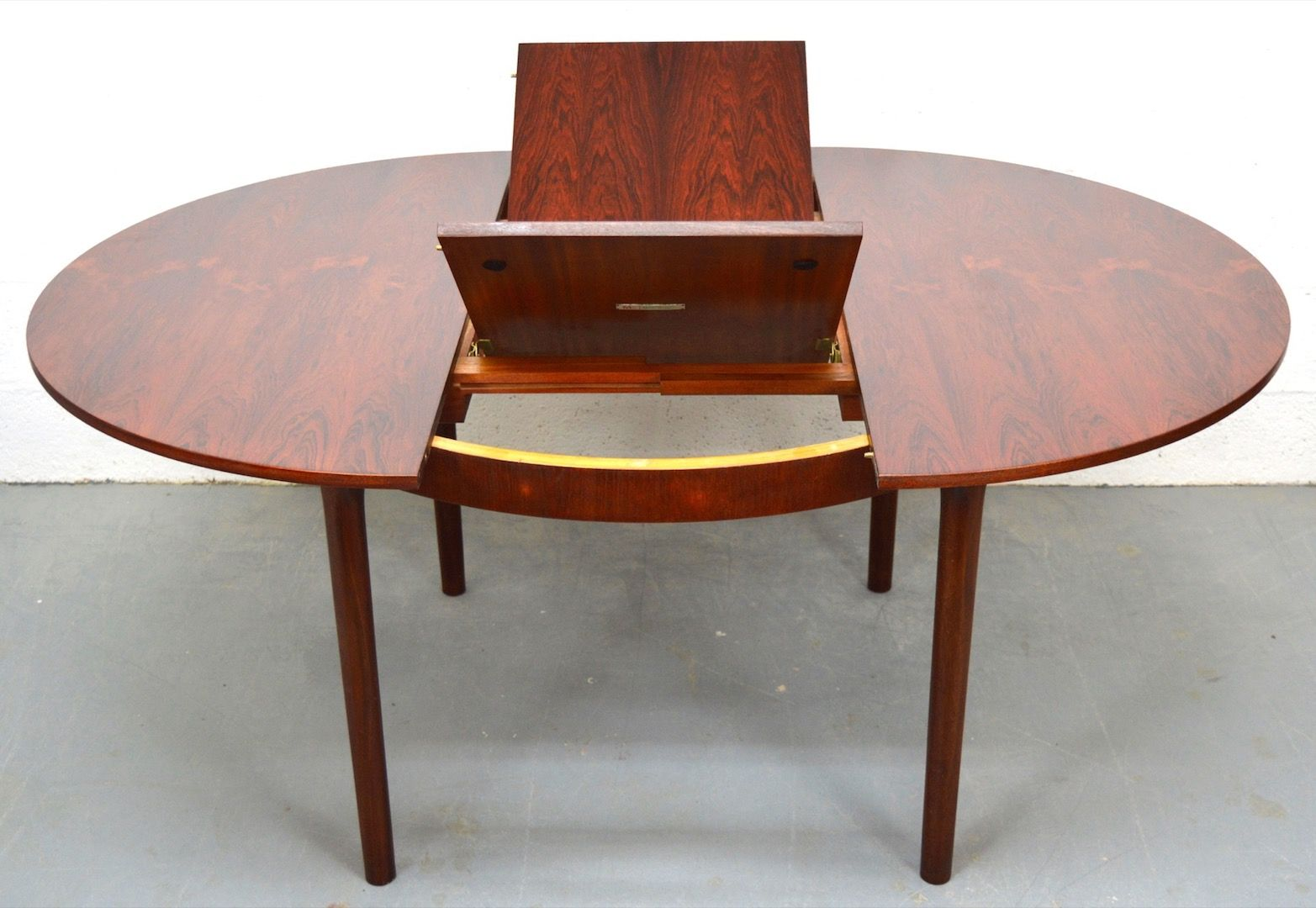 Vintage Rosewood Extendable Dining Table from McIntosh for  : vintage rosewood extendable dining table from mcintosh 3 from www.pamono.com size 1565 x 1080 jpeg 255kB