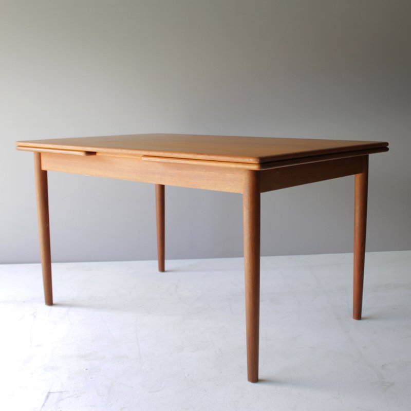 Vintage danish teak dining room table with two leaves for for V dining room table