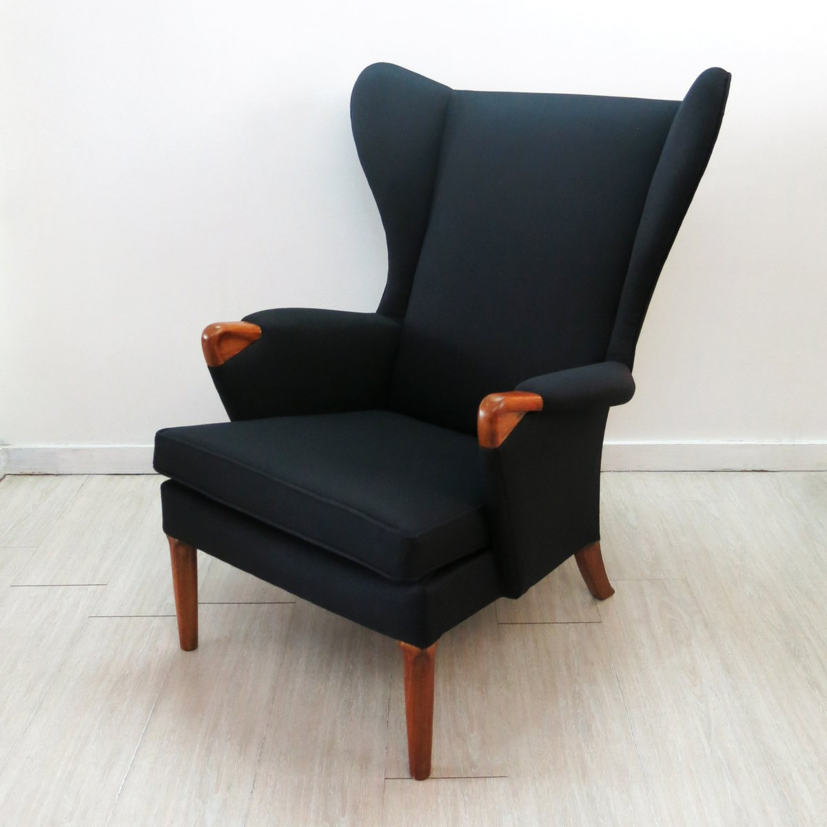 Wing back chair vintage - Black Wingback Chair With Teak Legs From Parker Knoll 1960s