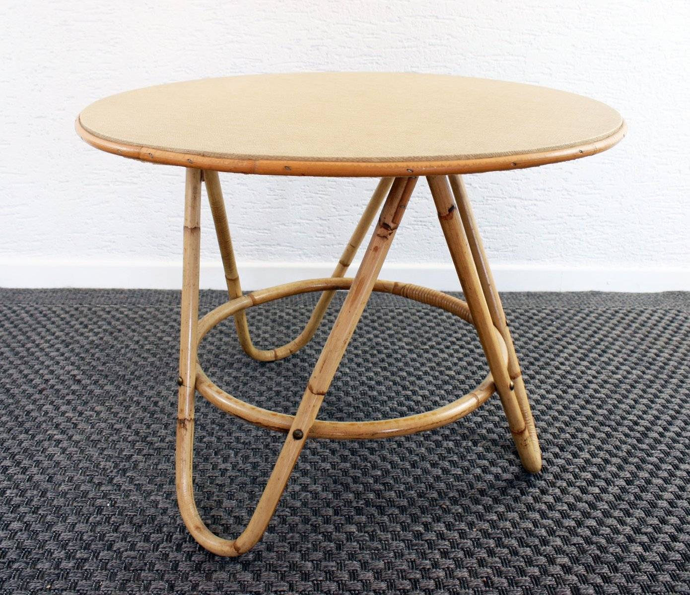 Table basse ronde vintage en rotin en vente sur pamono for Table basse en rotin