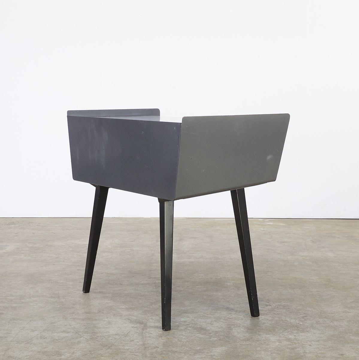 bureau en metal bureau en m tal noir l 140 cm loft. Black Bedroom Furniture Sets. Home Design Ideas