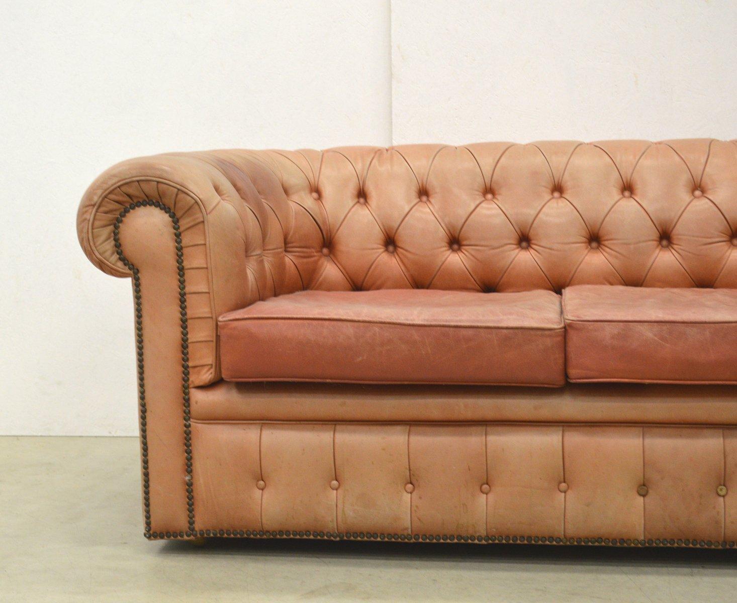 englisches ros cognacfarbenes leder chesterfield zwei sitzer sofa 1960er bei pamono kaufen. Black Bedroom Furniture Sets. Home Design Ideas