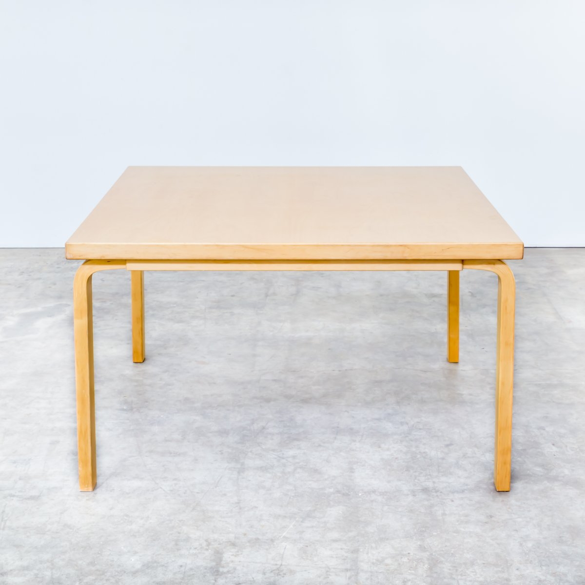 Model 82a dining table by aalvar aalto for artek 1960s for Tinning table model